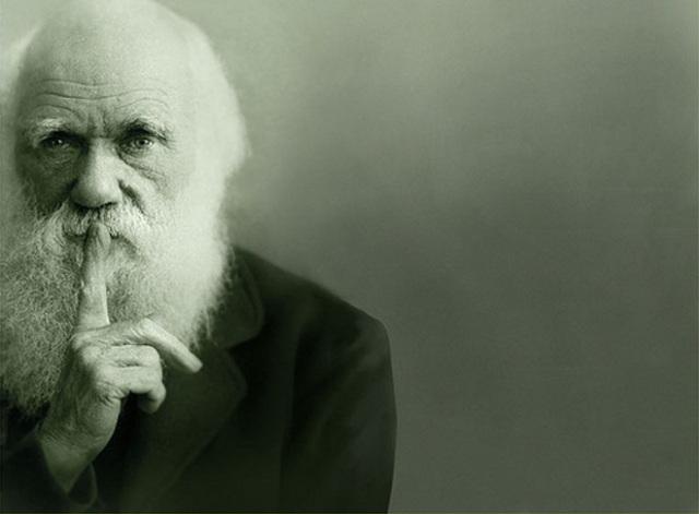 Muere Charles Darwin