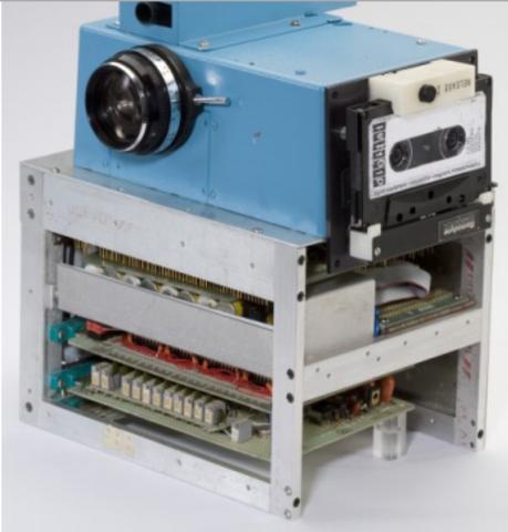 First Digital Camera. Kodak.