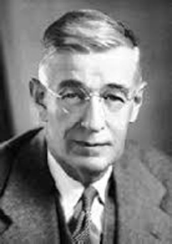 Vannevar Bush desenvolve um computador usando válvulas de rádio.