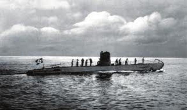 Alemanya intensifica els seus atacs submarins.