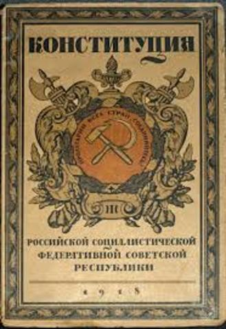 Els bolxevics prenen el poder a Rússia.