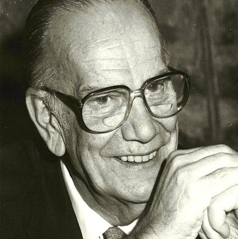 Camilo José Cela ingresa en la RAE