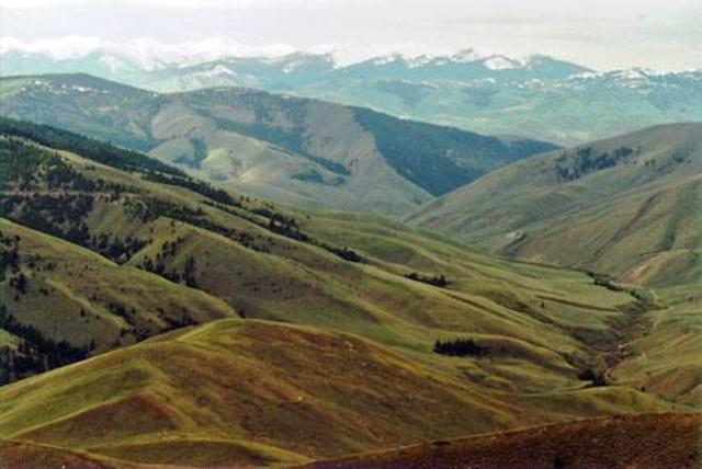 The expedition crosses into present-day Idaho