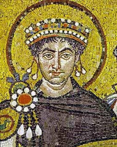 Justiniano se convierte en Emperador.