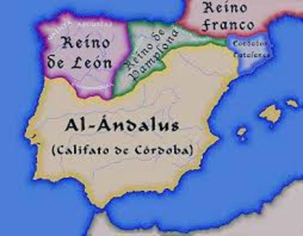 El Califato de Córdoba se disgrega en pequeños reinos.