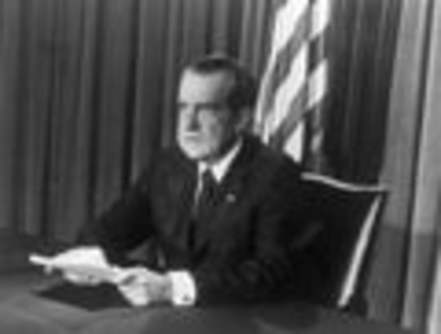 Newspaper Brings Down President Nixon