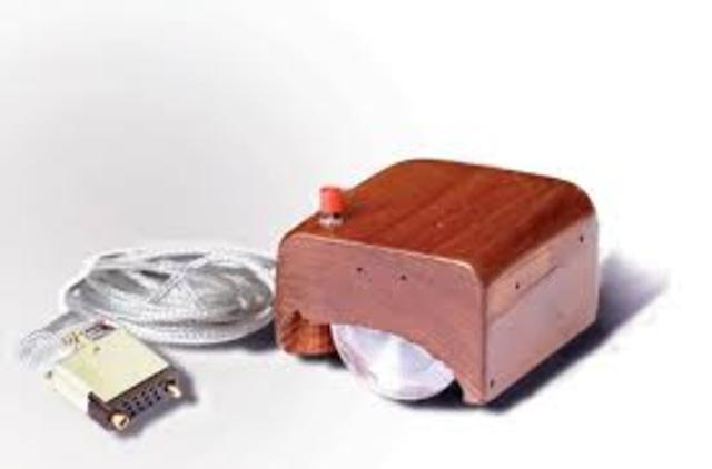 Primeiro Mouse (Douglas Engelbart)