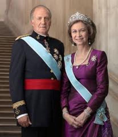 Se establece la Monarquía Parlamentaria 1978