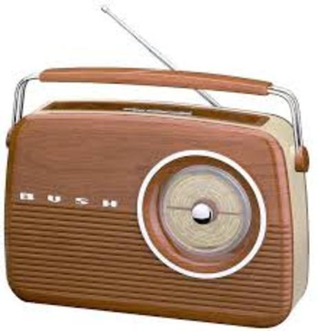 First radio stations in north amiraica