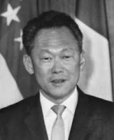 """Lee Kuan Yew becomes Singapore""""s first prime minister"""