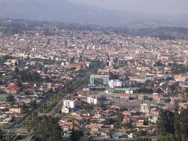 Cuenca, Ecuador  declares independence