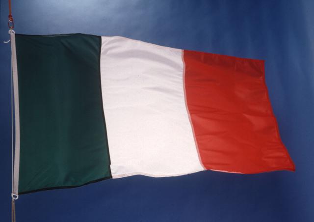 Italia se une a la Entente (Inglaterra, Francia, Rusia).