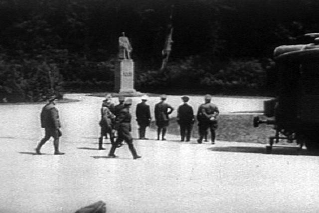 Armisticio de Compiègne (Alemania se rinde).