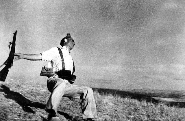 """Muerte de un miliciano"" de Robert Capa"