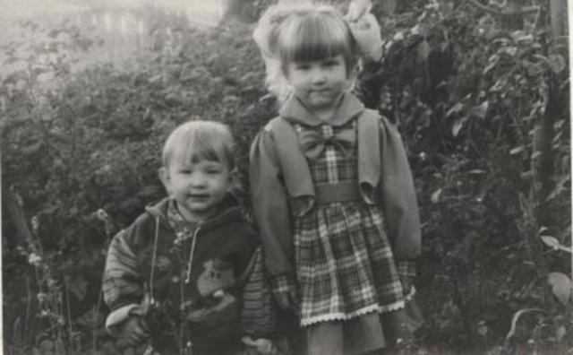 Я с сестрой Наташей