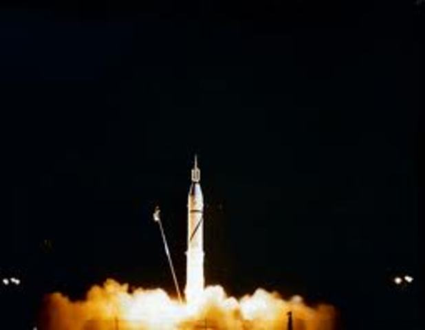 Usa- Explorer 2 is launched but it fails to reach orbit