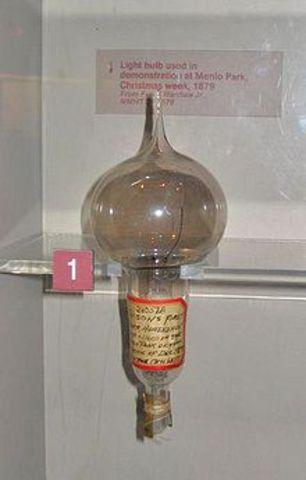 Invenció i difusió de la bombeta elèctrica domèstica
