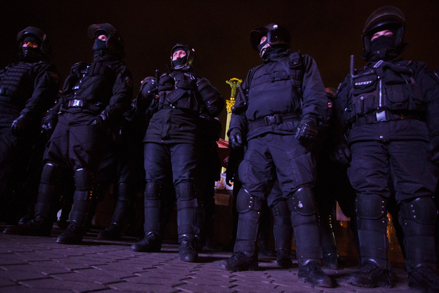в 4 часа утра по местному времени (6:00 мск) власти Украины разогнали Евромайдан.
