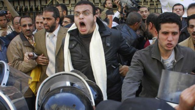 Egyptian citizens fight back!