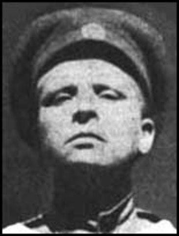 Maria Bochkareva forms the Women's Battalion