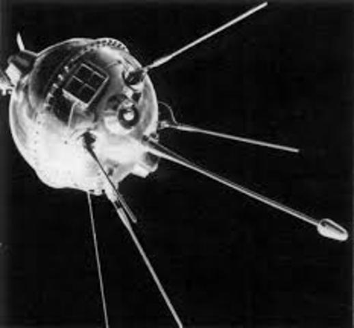 Luna 1 is launched by the USSR. It is the first man made object to orbit the Sun.