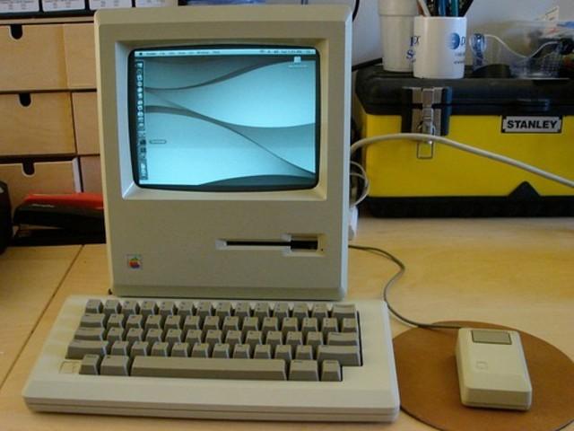Lançado o Macintosh