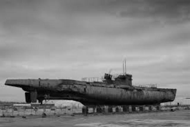 Germany reverses submarine warfare policy