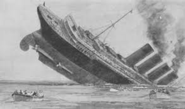 Germans use U-boats to sink Lusitania