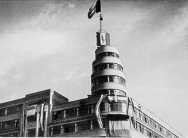 De Duitsers verlaten het Flageygebouw