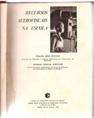 Lançamento do livro Recursos Audiovisuais na Escola, de Walter Arno e Charles Francis