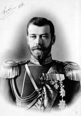 Tsar Nicholas II abdigates