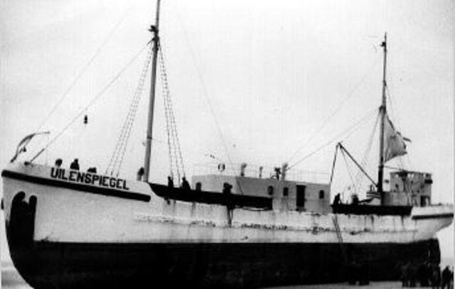 Radio Antwerpen zendt uit vanaf het schip Uilenspiegel