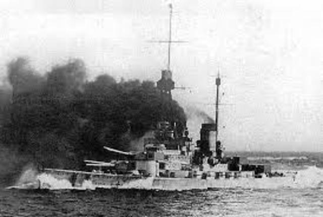German submarine blockade of Great Britian begins