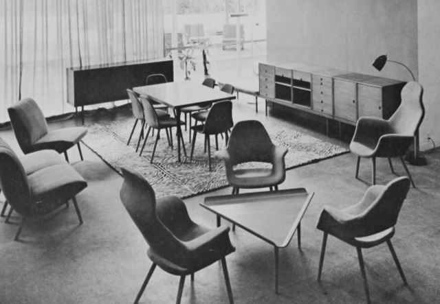 Eero Saarinin and Charles Eames win Moma Furniture Prize