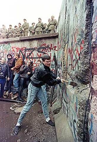 Berlinermuren faller!