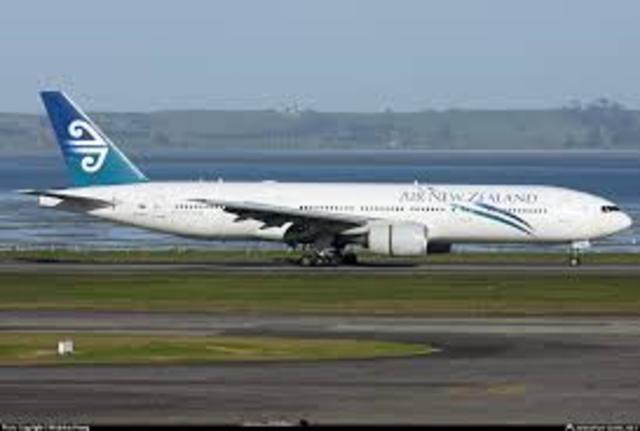 New Zealand Boeing 747-200: 105 passengers