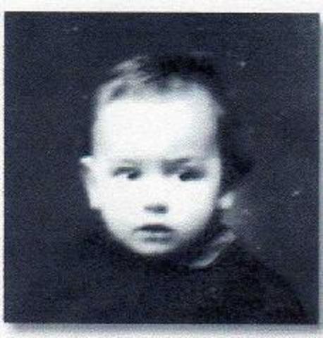 Nasceu, em Aveiro, Zeca Afonso