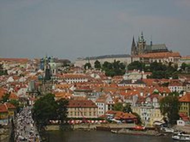 Fernando II envió a dos consejeros católicos al castillo de Hradcany en Praga