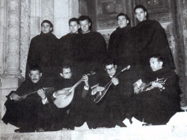 Faculdade de letras e fado de Coimbra...