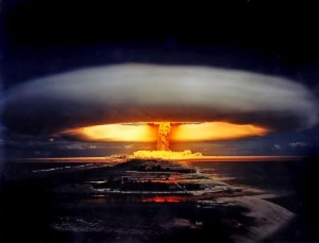 USA foretar første prøvesprenging av hydrogenbomben