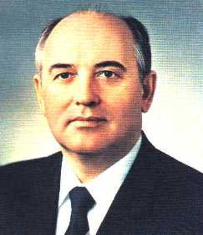 Mikhail Gorbatsjov blir leder i Sovjetunionen.