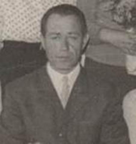 Жувагин Михаил Алексеевич  (1965-1974 г.г.)благоустройство пришкольного участка