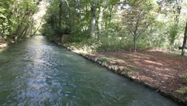Montag escapes to a river