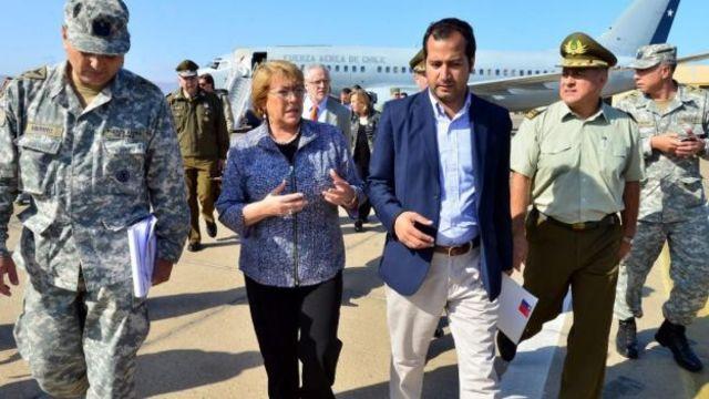 La presidenta prometio reconstruir las zonas afectadas