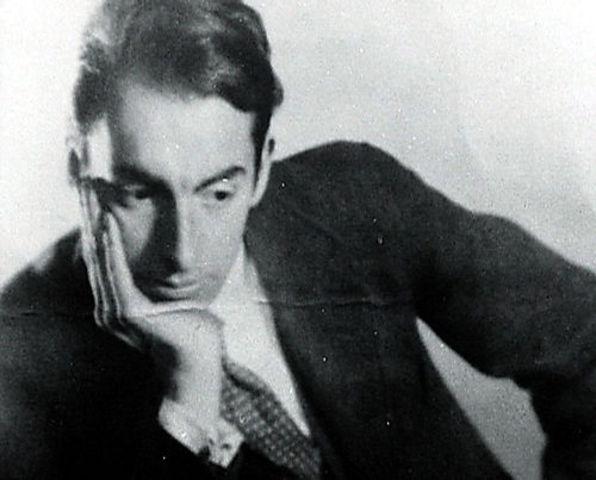 """""""Explico Algunas Cosas"""" de Pablo Neruda"""