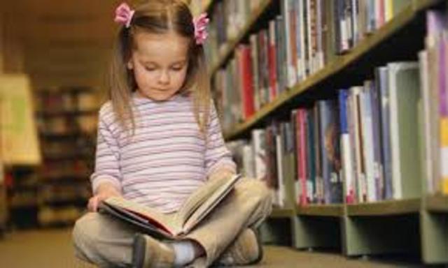 Cuando yo tenía siete años, yo leía los libros.