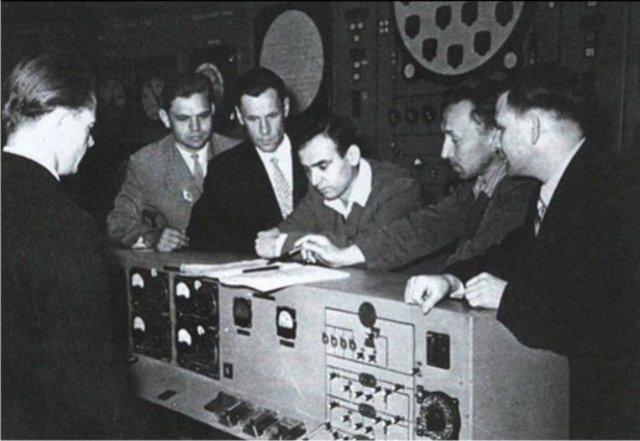 Первая атомная электростанция