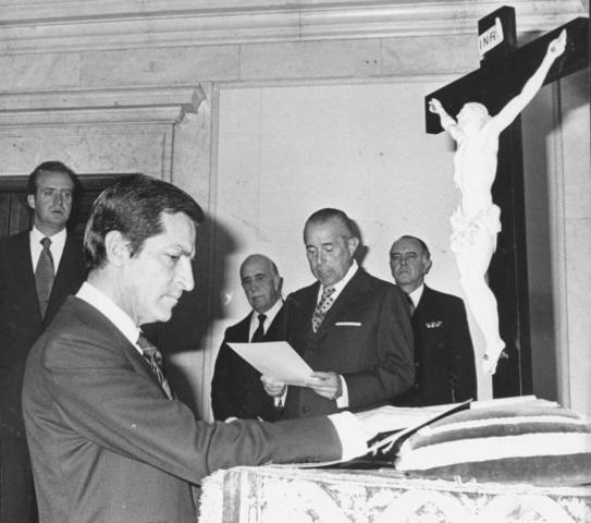 Suárez es nombrado presidente del Gobierno