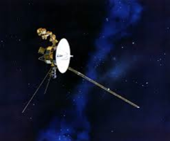Voyager reaches Saturn