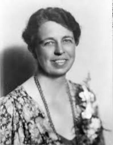"""Eleanor Roosevelt insists on women-only press conferences (""""the Roosevelt Rule"""